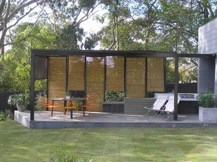 Outdoor Kitchen. McBride Pergola.  Bird de la Coeur Architects