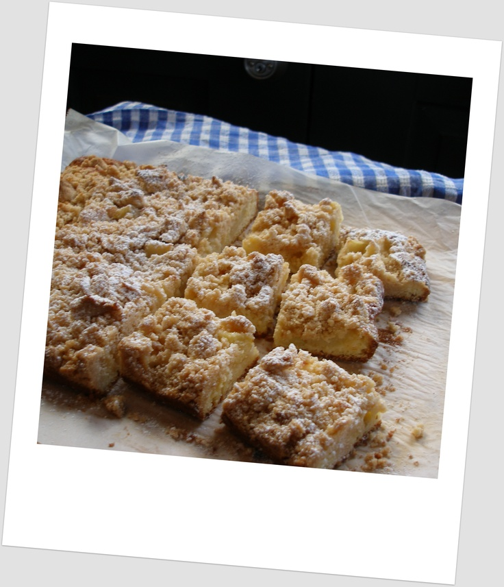 apple crumble cake, perfect with tea www.learntocook.com.au