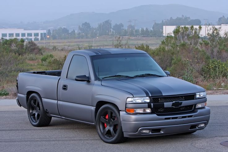 2001 chevy silverado custom paint   First off here's the truck ...