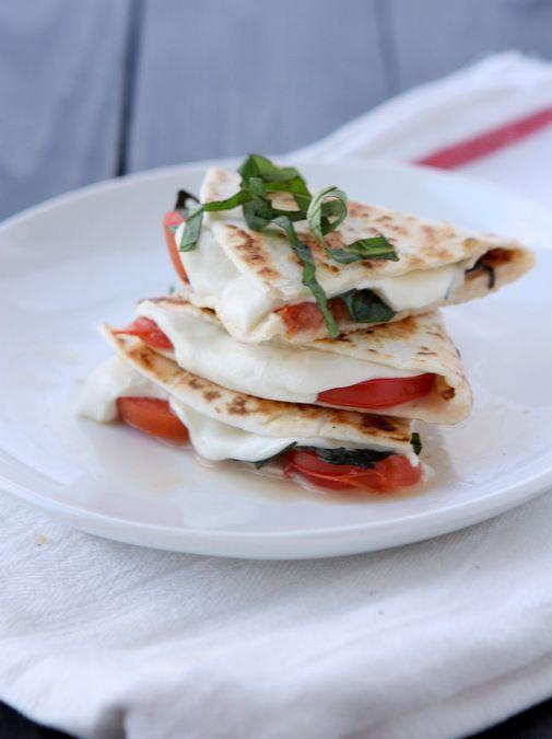 Margherita Pizza Quesadilla | http://www.thekitchenpaper.com/margherita-pizza-quesadilla/