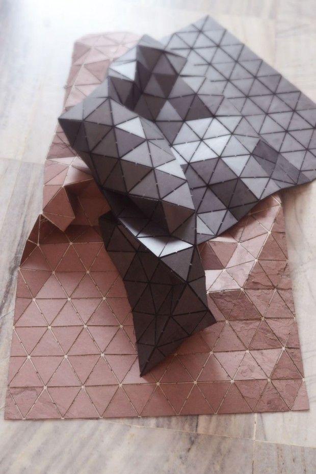 Tapis Tectonic by Dominique Raskin. Matériaux : triangle de Pierre sur une surface en fibre de verre #material #design #géométrique #carpet