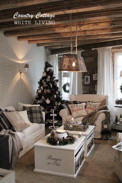 White Living: Country Cottage