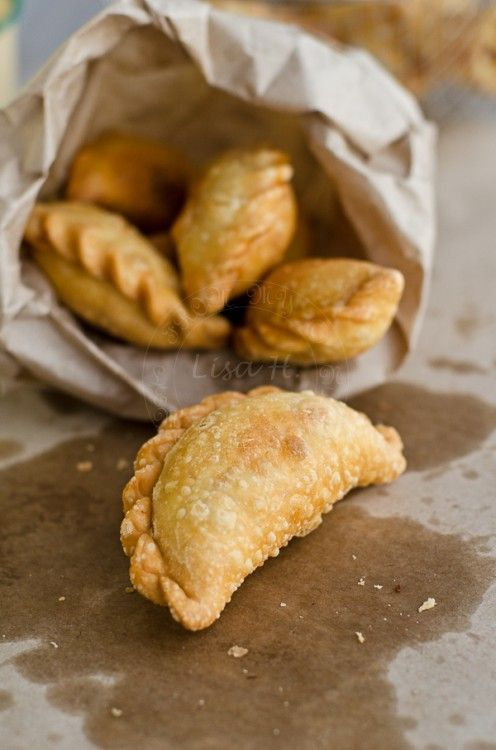 Kuih Spera recipe ( Malaysian Curry Puff with coconut filly)