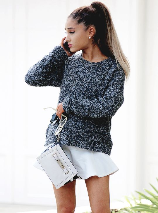 Ariana Grande | Pinterest: callistacvs (for more inspirations! Hair, makeup/beauty, celebrities, airport styles, accessories, sneakers/shoes, bathing suits/bikini, inspirational quotes)