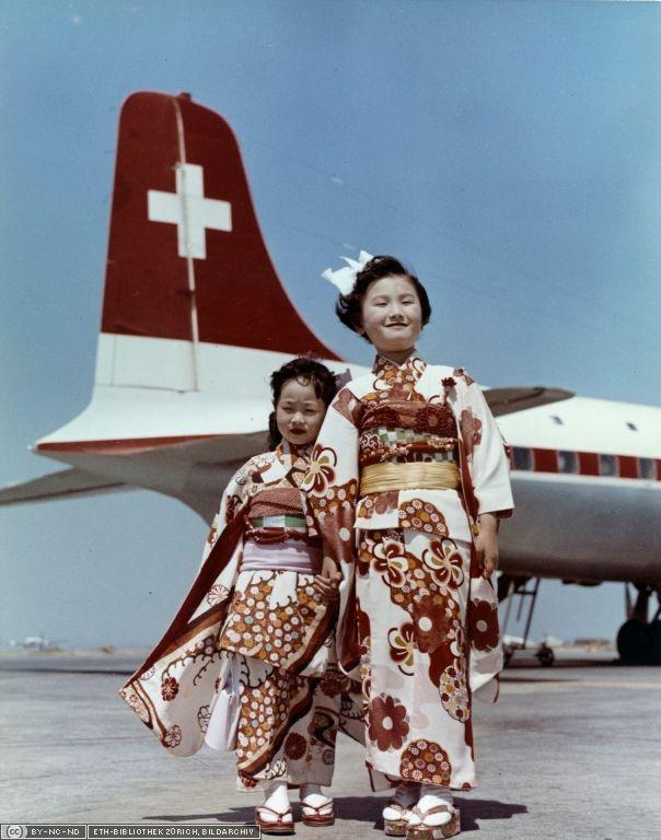 Ankunft des Swissair-Flugzeuges in Tokio, 5. April 1957 (LBS_SR08-02-001-AL)