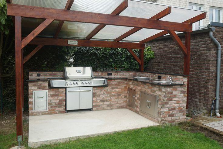 Idee: Selbstgebaute Außenküche mit Napoleon Standgrill aus Stein und mit Holz-Dach // Idea: Seldmade outdoor kitchen with wood roof and grill