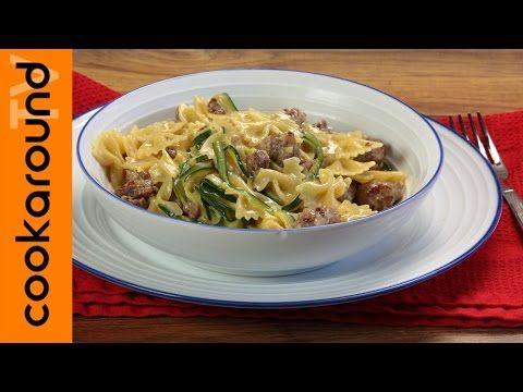 Pasta panna, salsiccia e zucchine / Ricette primi sfiziosi - YouTube