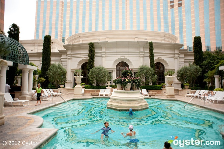 The venezia pool deck pool at the venetian resort hotel - Best hotel swimming pools in los angeles ...