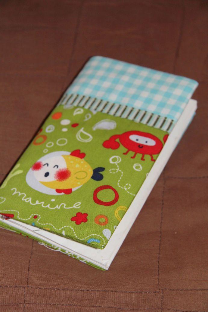 Für nerdig-geekige Freunde, die gerade verraten haben, dass sie ihr erstes Kind erwarten, musste ein nerdig-geekiges Mitfreu-Geschenk her :)...