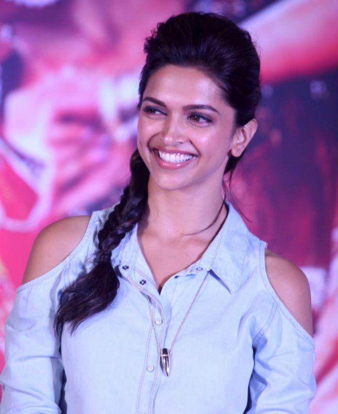 Deepika Padukone Hairstyle Photos