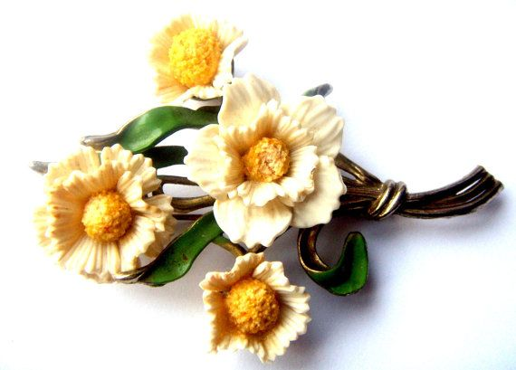 unmarked brooch early Coro Celluloid enamel alloy от ODMIVINTAGE