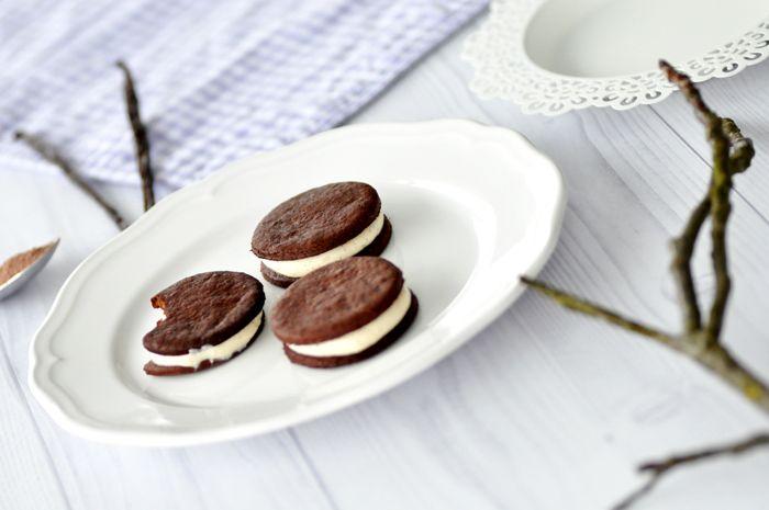Oreo selbst backen [Rezept] Selbstgemachte, gesunde Oreo Kekse