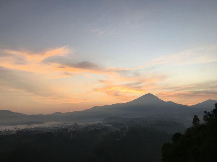 Morning View #sunrise #tebingkeraton #bandung #indonesia