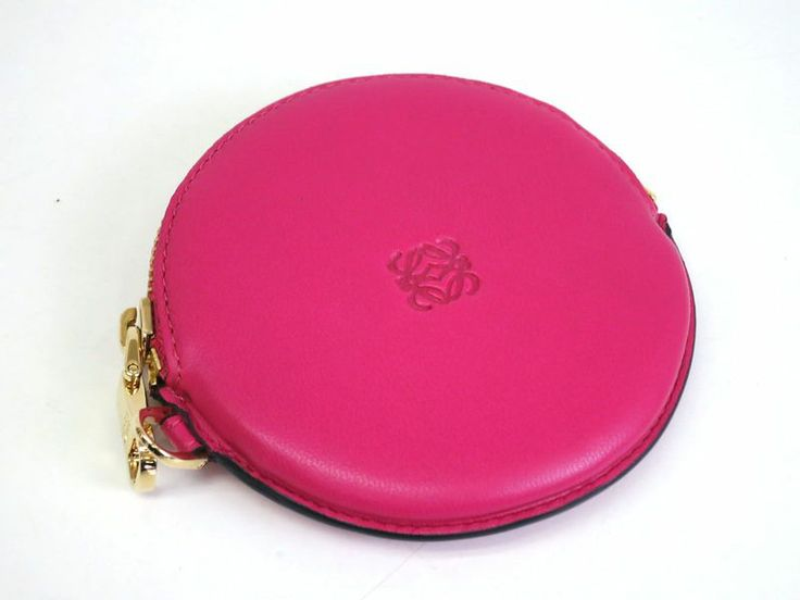 #Loewe Coin Purse Leather Pink(BF065658). Authenticity guaranteed, free shipping worldwide & 14 days return policy. Shop more preloved brand items at eLADY: http://global.elady.com