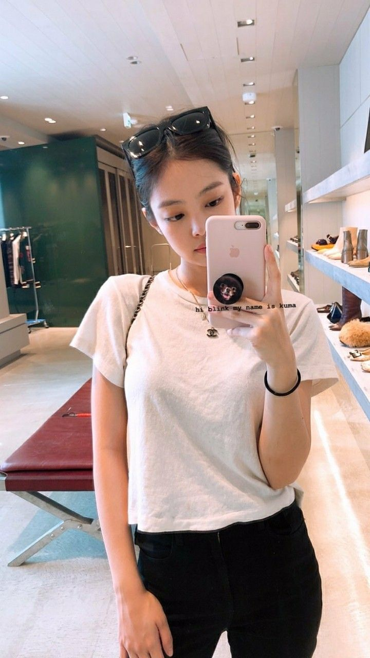 Beautiful Girl Live Wallpaper For Android Jennie Mirror Selca Jisoo Blackpink Blackpink Jennie