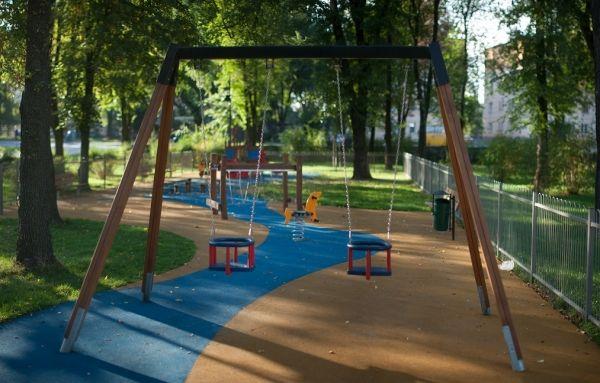 Podwójna Huśtawka, plac zabaw w Radomiu