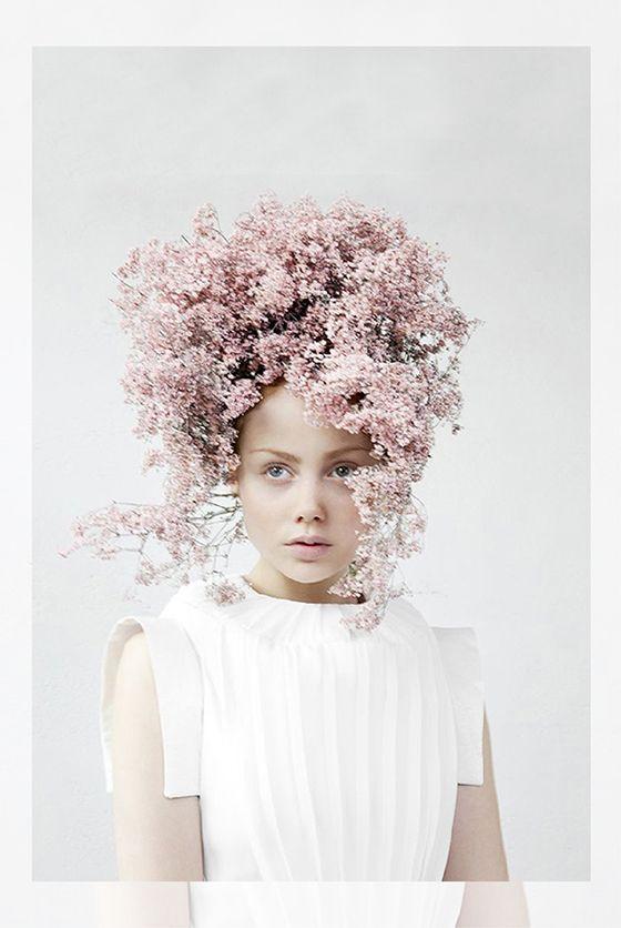 AnnaBloom Micro Trend: Flower headdresses