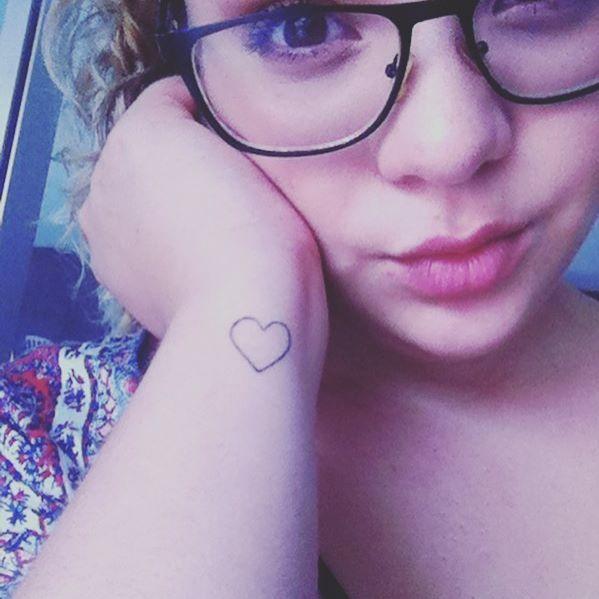 #heart #tattoo #tatuagem #pulso #minimalist #coração #feminina