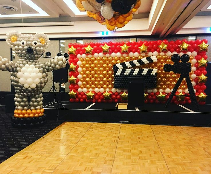 Balloon wall for a Hollywood theme event