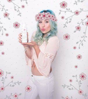 """Bibi von """"Bibi`s Beauty Palace"""" stellt uns drei neue Sorten ihrer Duschschaumserie bilou vor. Vanilla Cake Pop, Splashy Melon und die Limited Edition Cherry Blossom."""