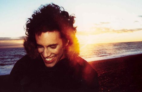 Here's a club version of Jamie xx and Romy's 'Seesaw' from Four Tet