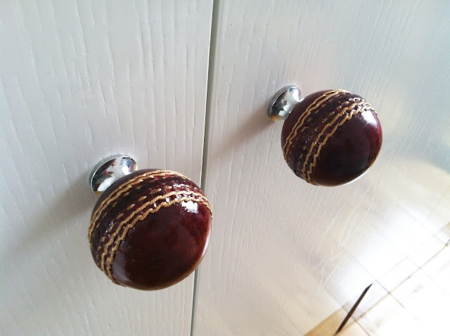 ( baseball door knobs )  A great little idea I came across last week - Perfect for a little boys bedroom... or big kids bedroom, hehehe, don't you think :)