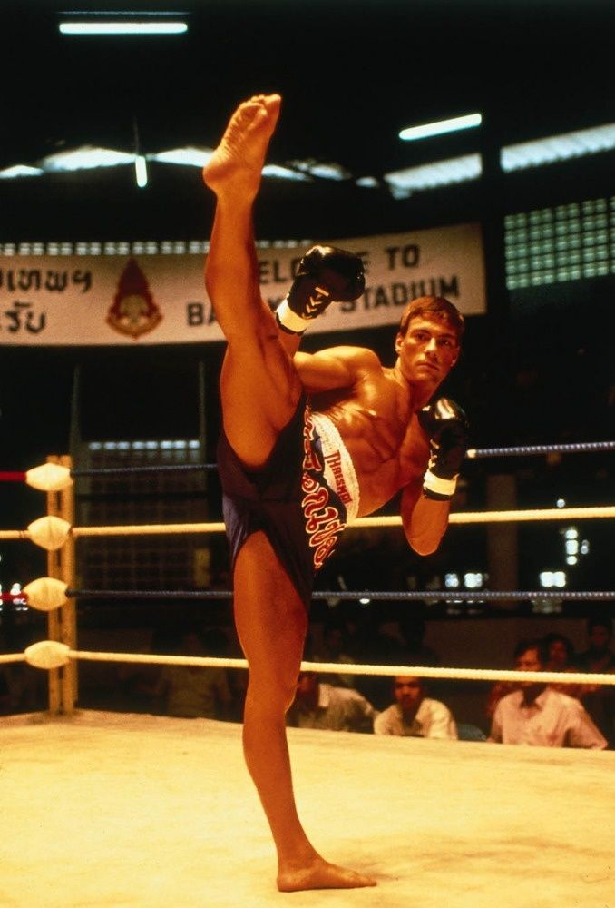 Jean-Claude Van Damme en Kickboxer,,,Not bad ,,for a ballet dancer,lol,,,,;]]]]