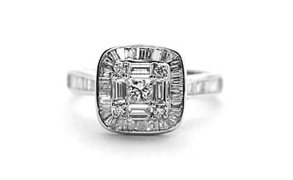 18ct white gold and #diamonds. http://www.sterns.co.za