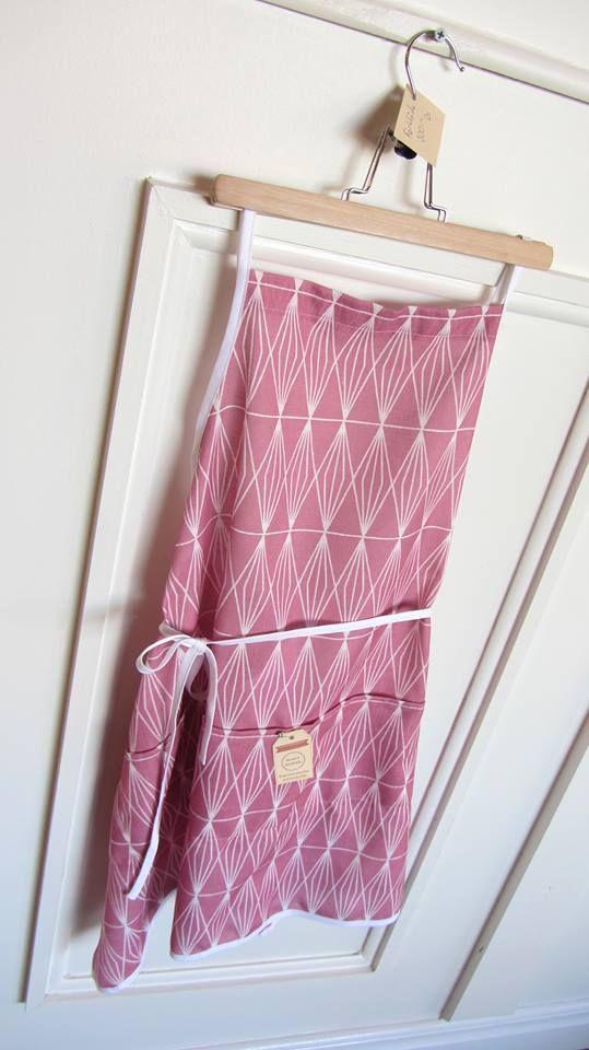 Cute pink apron  <3