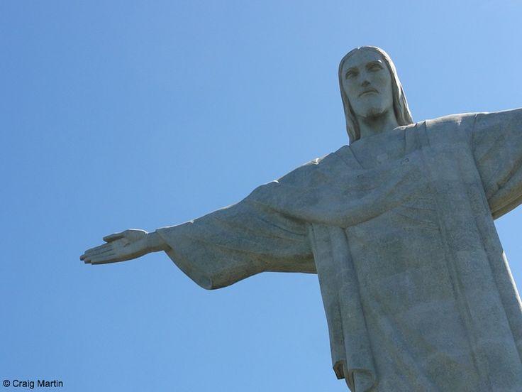The Best Christ The Redeemer Statue Ideas On Pinterest - Guy takes epic selfie top christ redeemer statue brazil