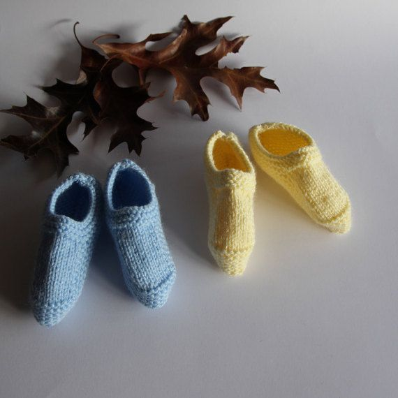 Baby shoes hand-knitted baby shoes newborn by ProjectKnitting