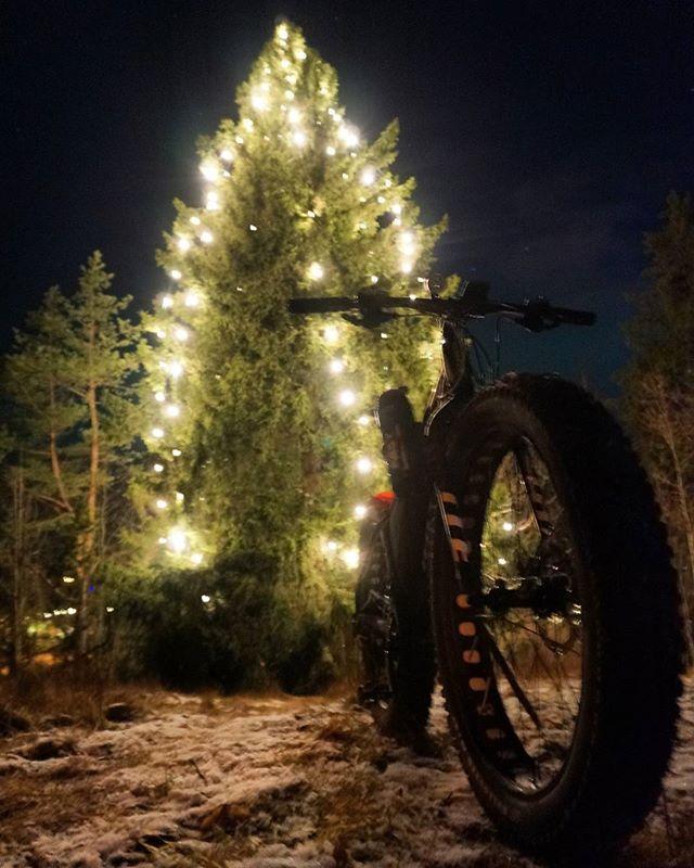 Riemukasta Joulua! Merry Xmas! #pyöräily #talvipyöräily #mtb #fatbike #maastopyöräily #singletrack #holidays