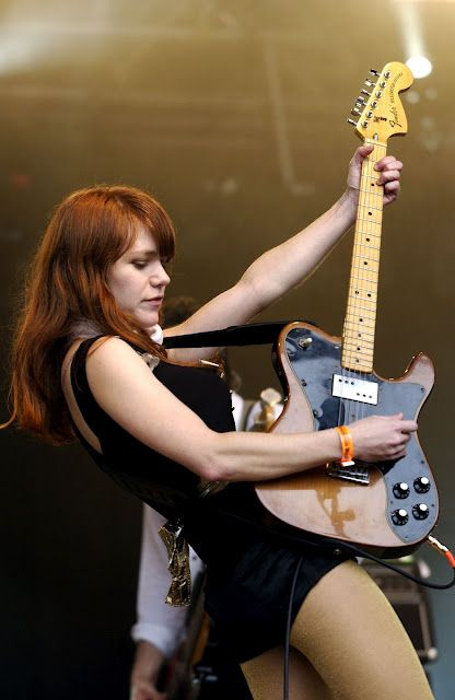 Jenny Lewis is AWESOME!! I have seen her (with Craig) 9 or 10 times already!! And we can't wait for the next time!!