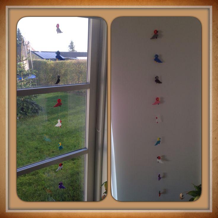 Hama kay Bojesen sangfugle i vinduet