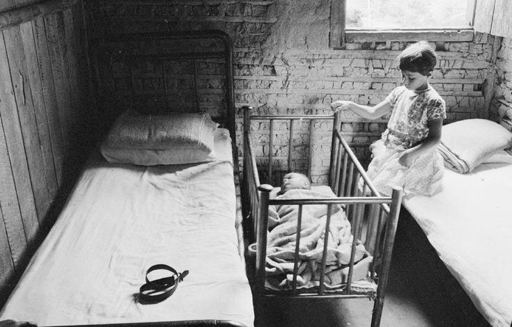 Claudia Andujar familia caiçara 1963