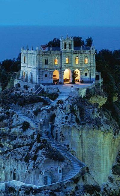 Church Santa Maria - Tropea, Calabria, Italy  One of the most beautiful chapels I've ever been in & worth the stairs! Can't believe someone posted this!