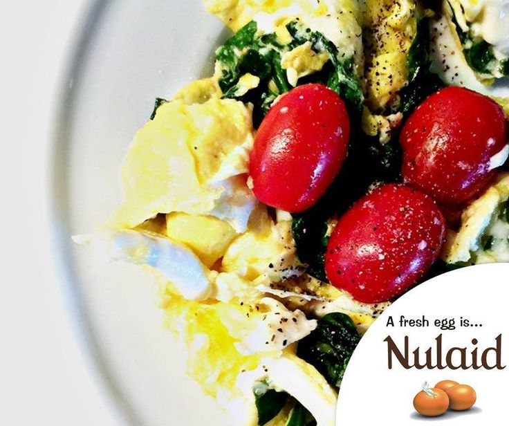 The Eggs Spinach and Tomato Scramble recipe makes an ideal meal for any time of the day. For the full recipe, click here: http://ablog.link/9yr. Source: Add a pinch. #MeatfreeMonday #Nulaid