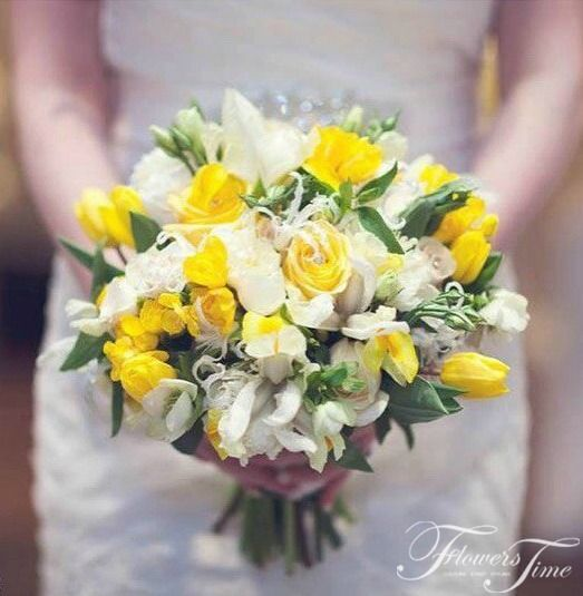 Yellow and white bridal bouquet by Flowers Time #wedding#rose#tulip