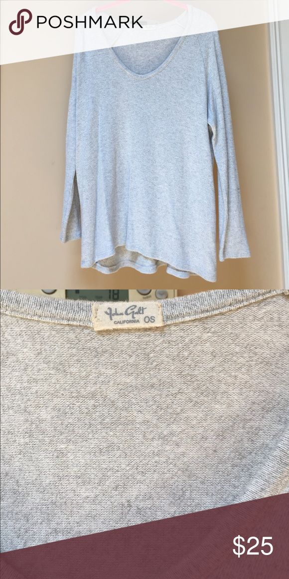 Brandy Melville Sweater This sweater is perfect for chill days. One size. Worn once. Brandy Melville Sweaters Crew & Scoop Necks
