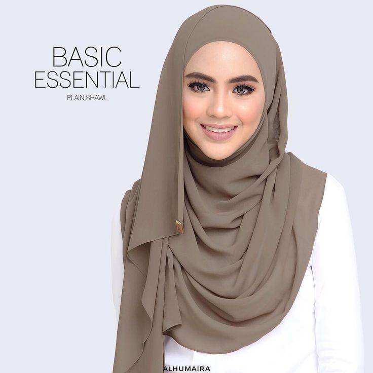 Penampilan yang kemas, selesa dan cantik adalah antara keinginan setiap wanita. Untuk dapatkan kesemua ciri-ciri itu anda harus memilih shawl yang berkualiti tinggi seperti Basic Essential Plain Shawl! Pasti anda akan tampak anggun, cantik & bergaya. Yang penting, bergaya dalam keadaan yang selesa sepanjang hari!  Dapatkan Basic Essential Plain Shawl ini dari Official Agents Alhumaira yang berada berdekatan dengan kawasan anda! Ataupun walk in ke Butik Alhumaira Alor Setar, Shah Alam & juga…