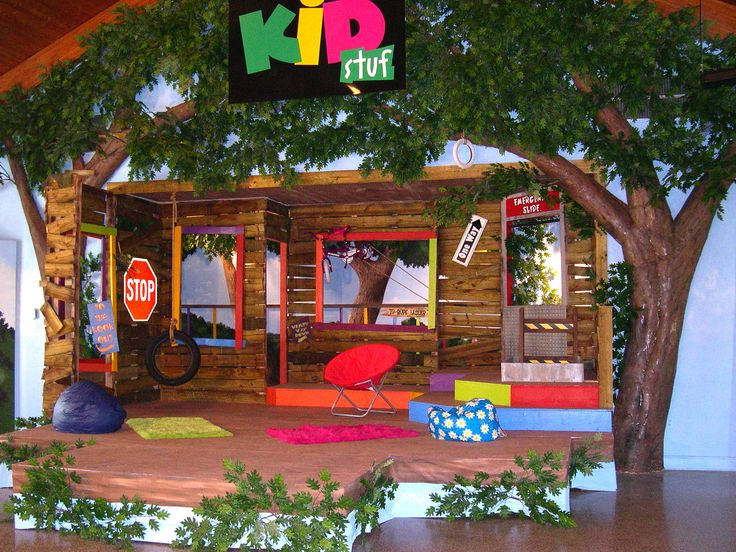 Tree house vbs 2013 under the stars decor pinterest for Tree decorations for home