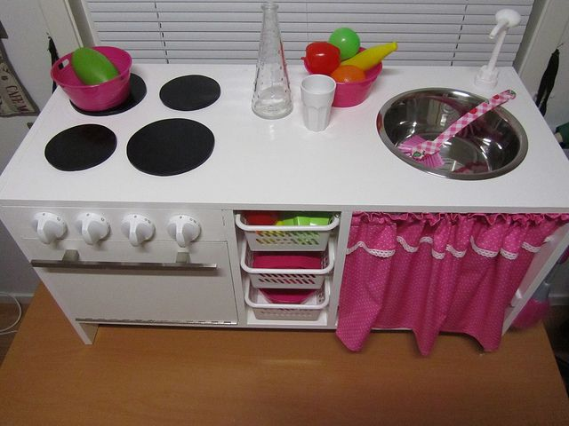 minikjøkken 012 by Bente42, via Flickr