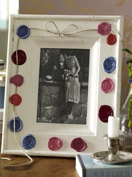 Hochzeitsfoto mit Siegel: Bilderrahmen selber machen