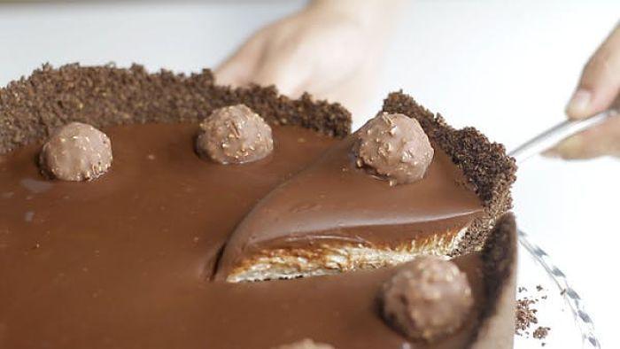 Nepečený Ferrero Rocher cheesecake - Receptik.sk