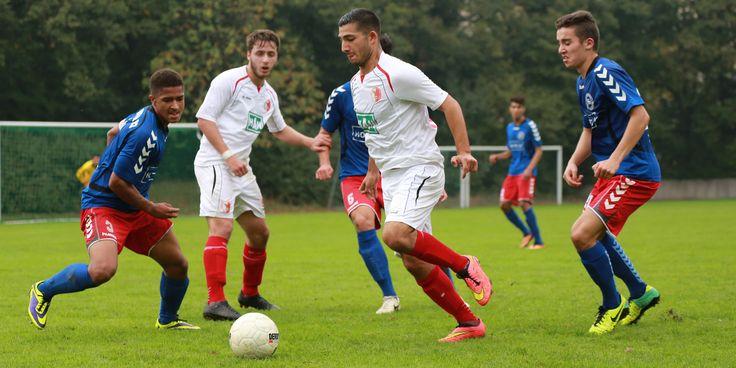#Tolunay #Perktas umringt von 3 Zehlendorf Spielern. | 5. Spieltag BAK 07 vs. Hertha 03 Zehlendorf (Saison 14/15) - Ergebnis: 0:0