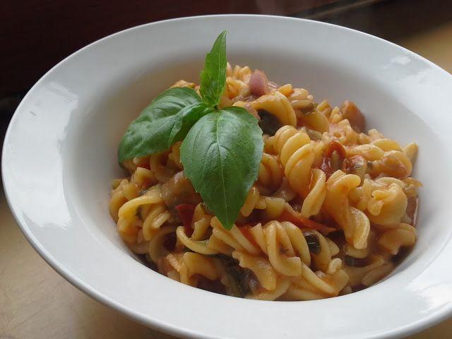 Éltető ételek: Egyserpenyős olaszos tészta - pillanatok alatt