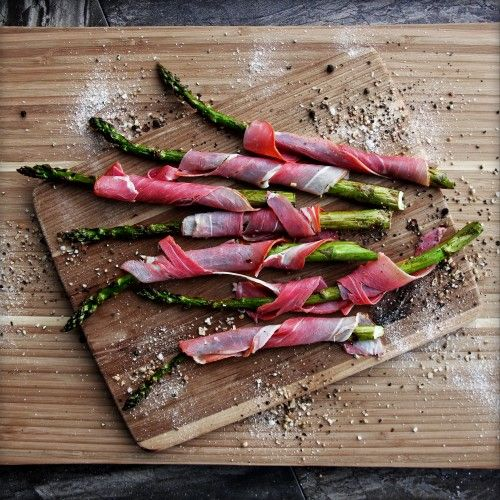 Prosciutto-Wrapped Grilled Asparagus