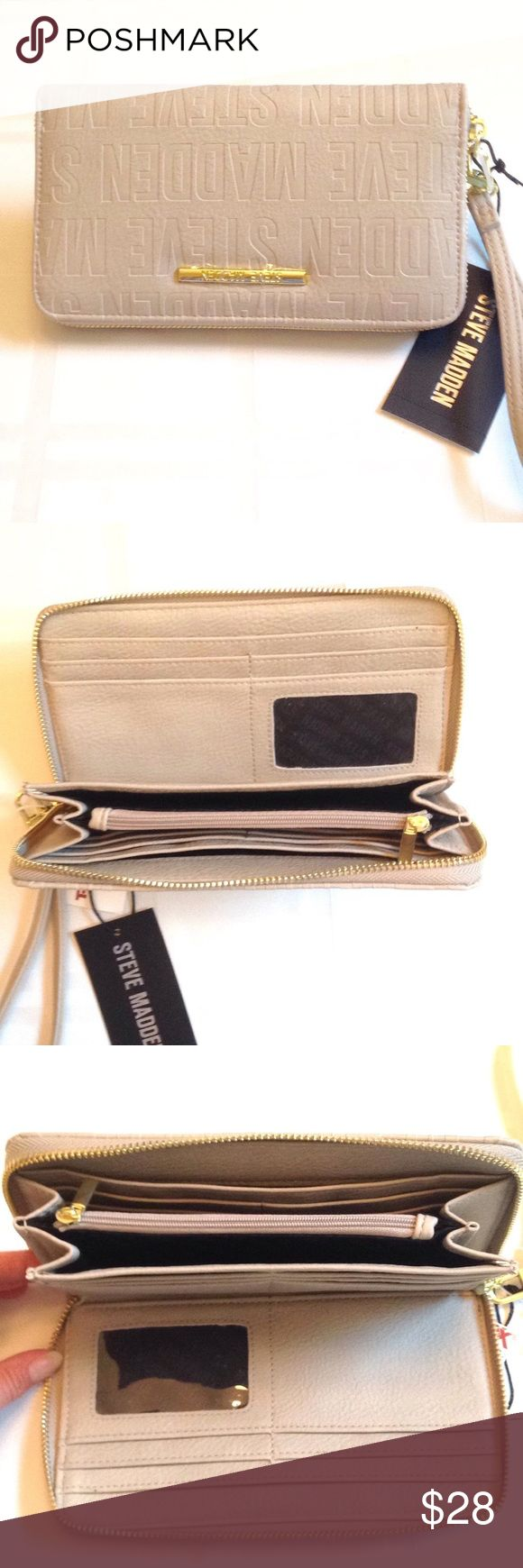 STEVE MADDEN CLUTCH/ WRISTLET STEVE MADDEN Super Stylish Clutch / Wristlet Features ID Slot 16 Credit Card Slots 2 Bill Slots And A Zipper Coin Pocket Steve Madden Bags Clutches & Wristlets