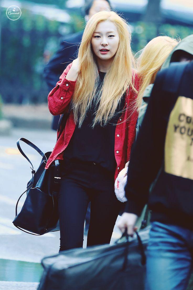 Other red velvet s airport fashion celebrity photos onehallyu - Red Velvet Seulgi Kpop Fashion 150403 2015