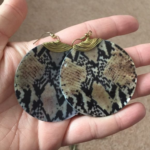 Animal print earrings These are gorgeous. Can be dressed up or down. Jewelry Earrings
